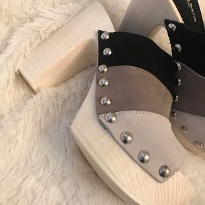 NWOT Charles David suede heels 7.5